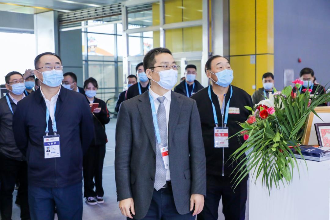 技能绽放 勇攀巅峰——中华人民共和国第一届职业技能大赛在广州举办