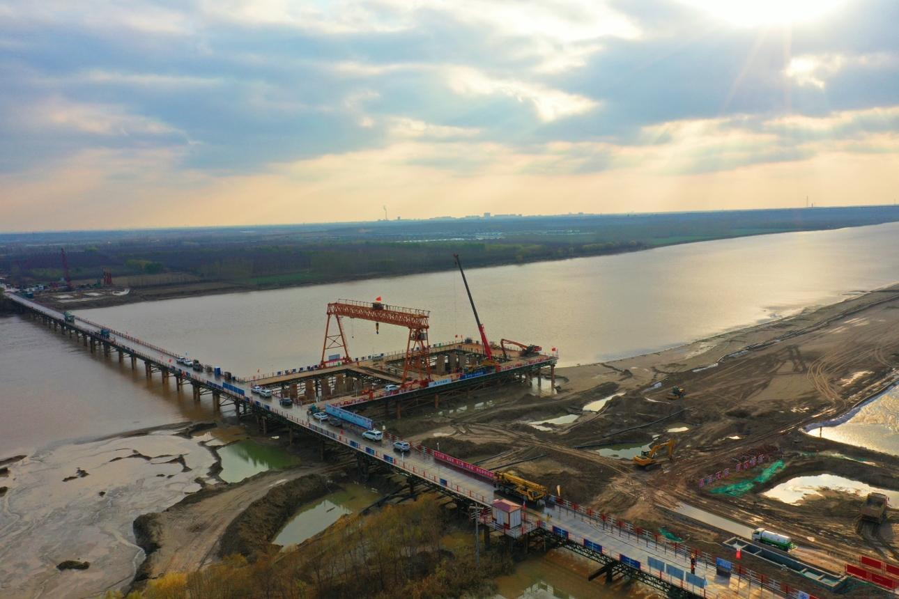 用心铸就精品桥——中交一公局集团沾临二标二分部黄河特大桥施工纪实
