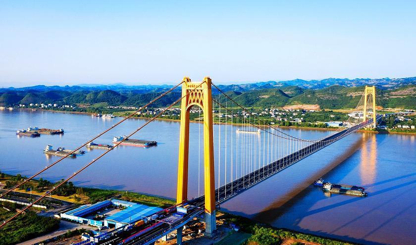 湖北宜昌伍家岗长江大桥建成通车